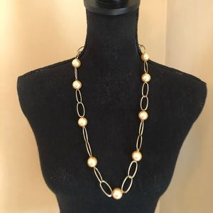 Pearl and Gold tone Necklace